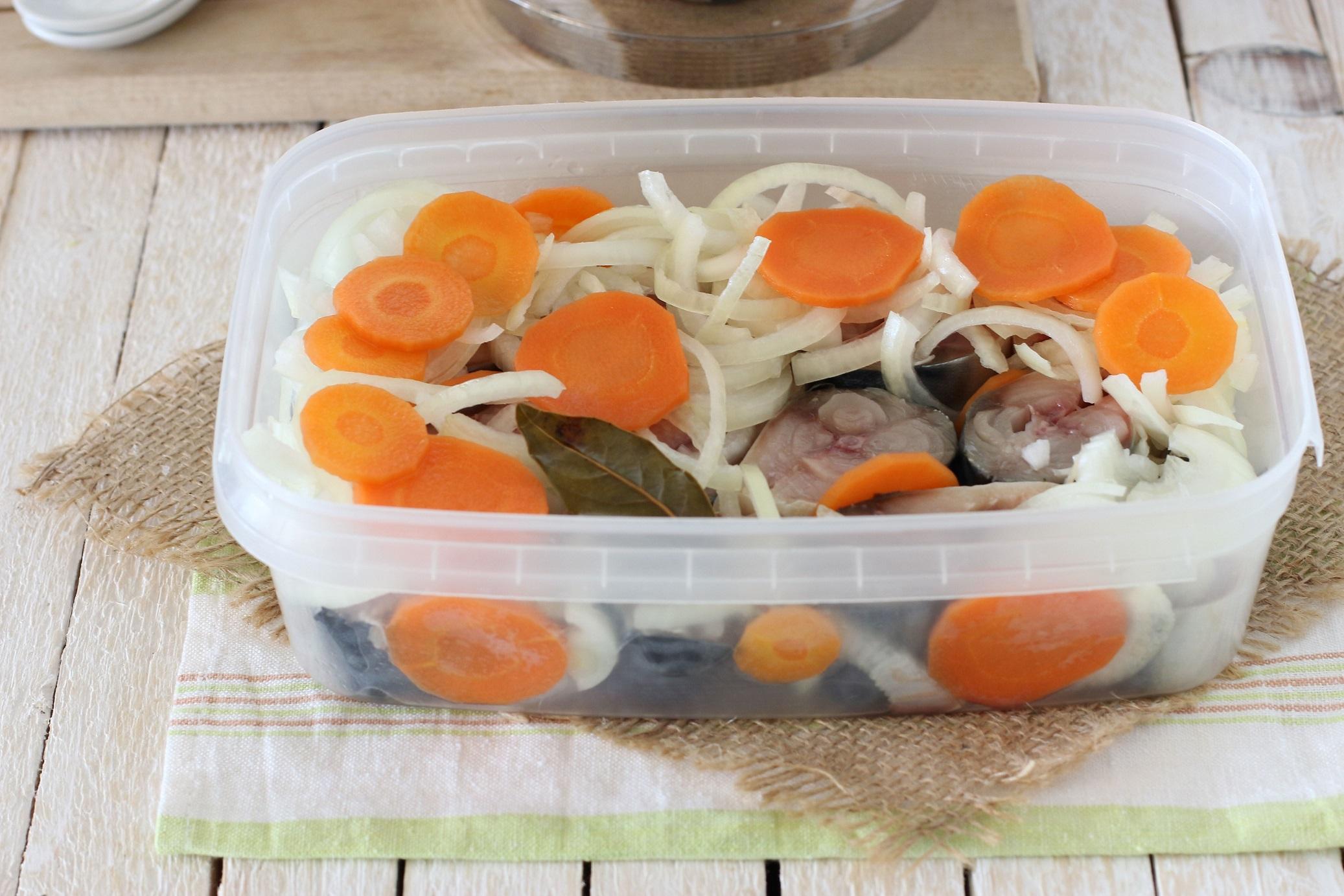 Маринованная скумбрия - лучшие рецепты - Как 100